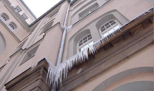 180110 Eiszapfen Rathaus