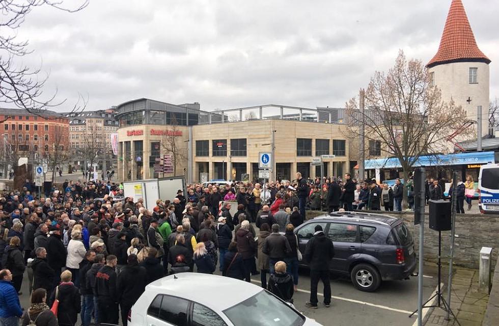 Demo gegen Gewalt in Plauen