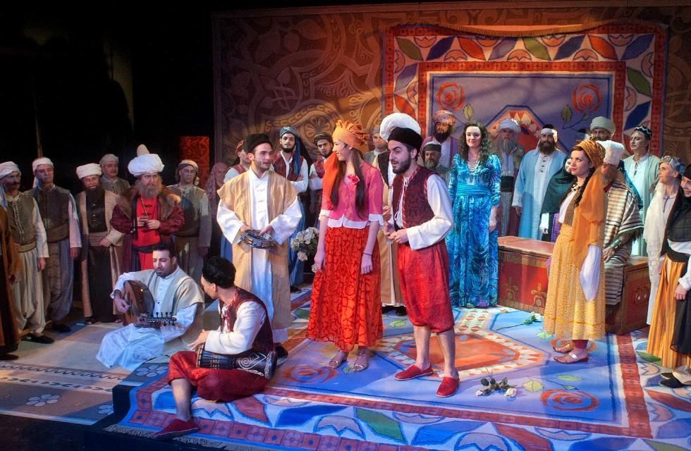 Vogtlandtheater: Der Barbier von Bagdad feiert Premiere