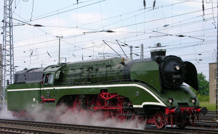 Die schnellste unter Dampf stehende Lokomotive ist die legendäre Baureihe 18 201
