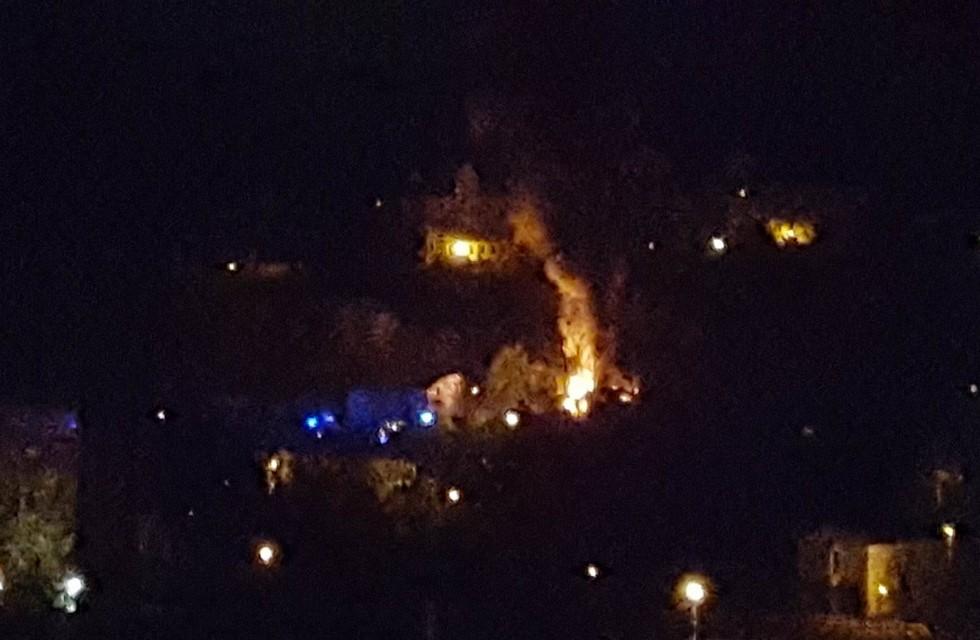 Großbrand in Plauen: Fahrzeughalle steht in Flammen