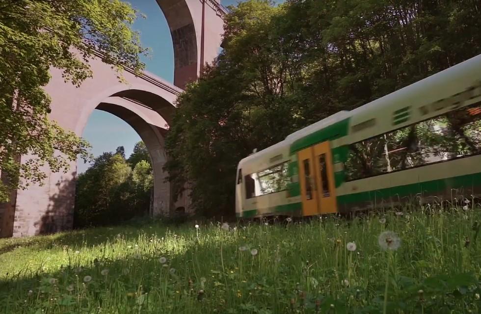 Mit der Elstertalbahn das Vogtland erleben
