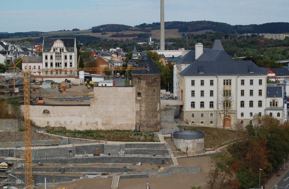 Schlossterrassen Plauen: Amtsweg und Keller werden gebaut