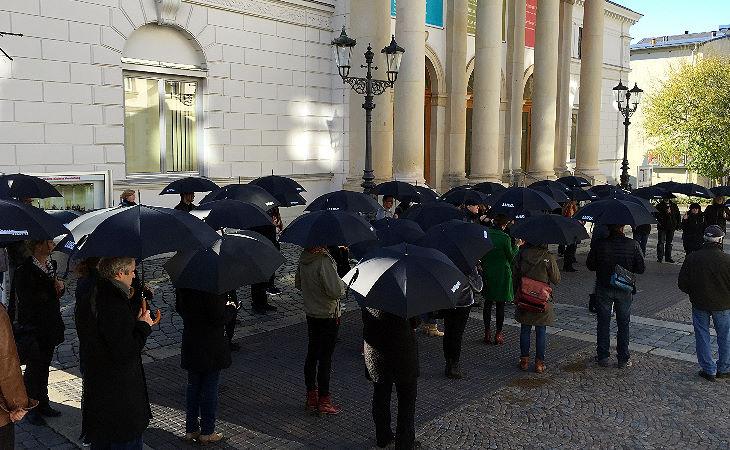 Plauen gedenkt den Opfern von Paris