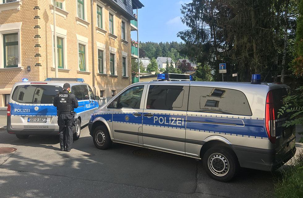Polizei-Reusa-Theumaer-Weg-Vogtland-Sperrung-Evakuierung-Fliegerbombe