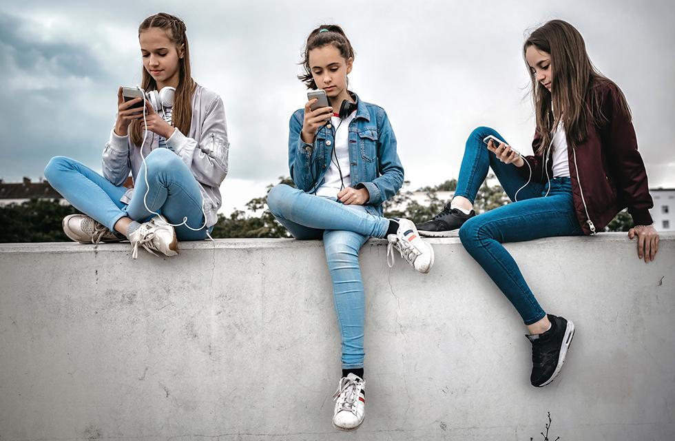 Socialmedia-Jugend-Social-Media-Sucht