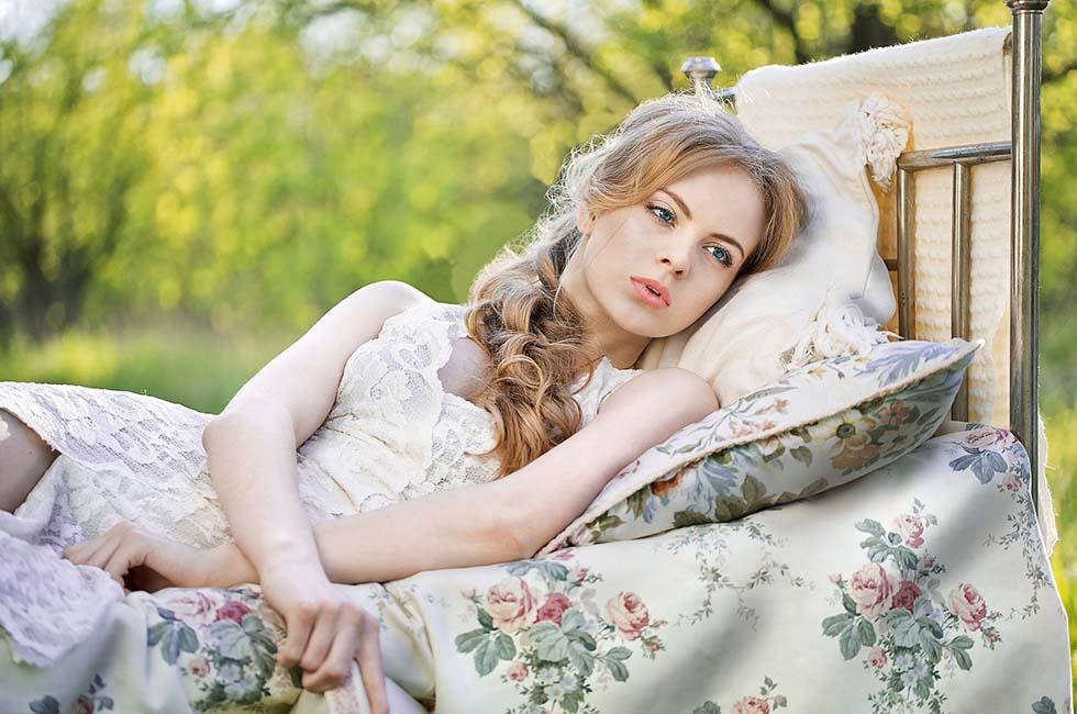 Bett-Frische-Frau-Natur