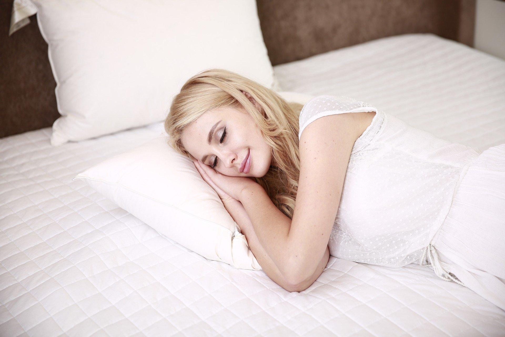 Schlaf-Bett