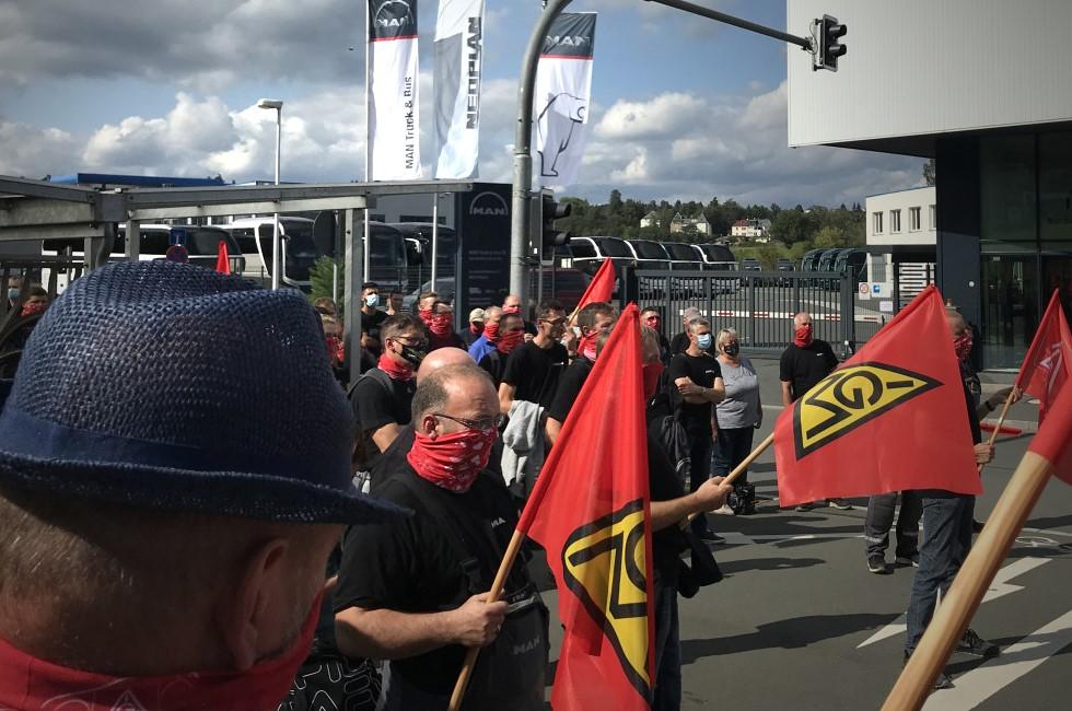 Kundgebung vor dem Werkstor von MAN in Plauen