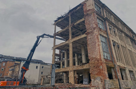"""Alte Textilfabrik """"Plaugard"""" wird in Plauen abgerissen"""