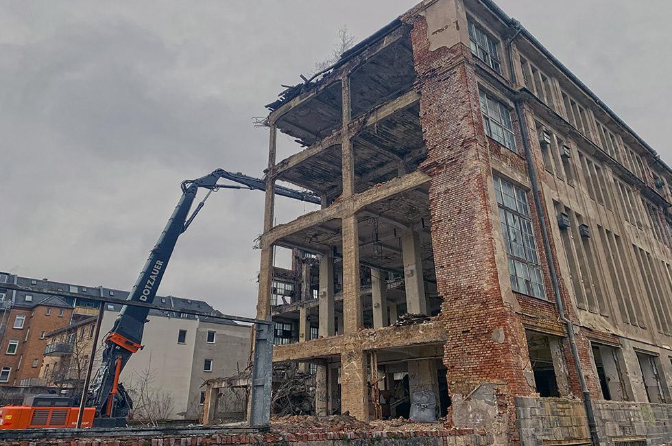 Abbruch-Industriebrache-Plauen-Schönherr-Straße-Bagger
