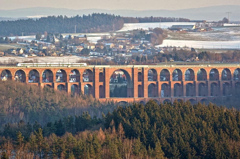 Sehenswürdigkeit-Ziegelsteinbrücke-Göltzschtalbrücke-Vogtland-Bauwerk