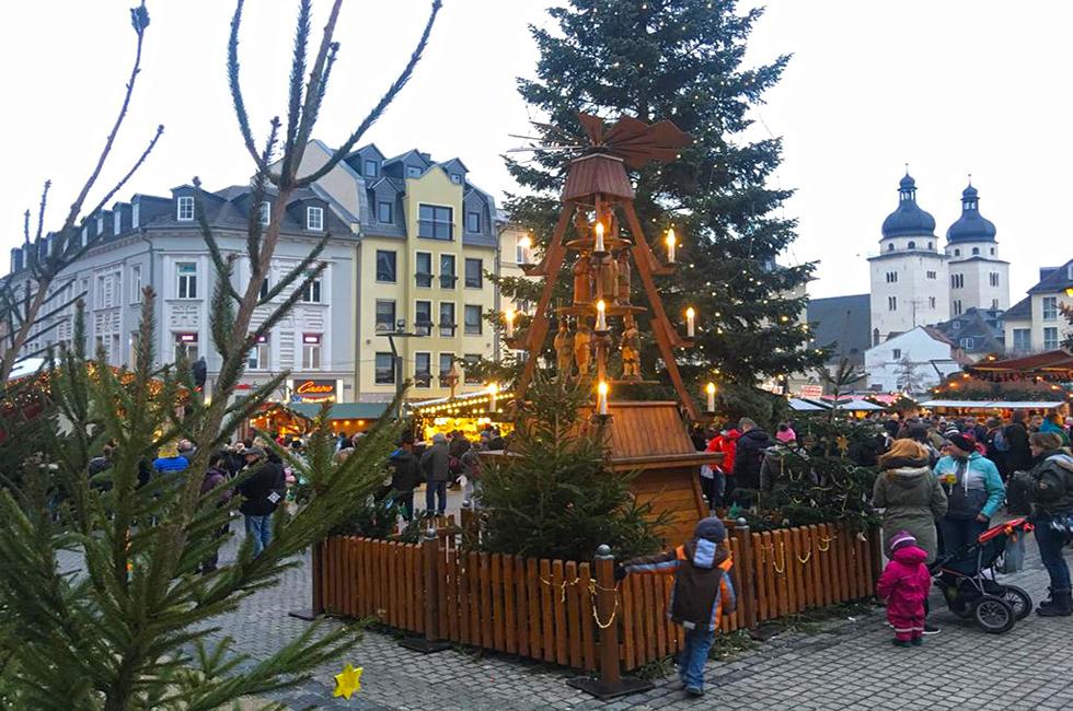 Weihnachtsmarkt-Pyramide-Plauen-Spitzenstadt-Vogtland-Weihnachten