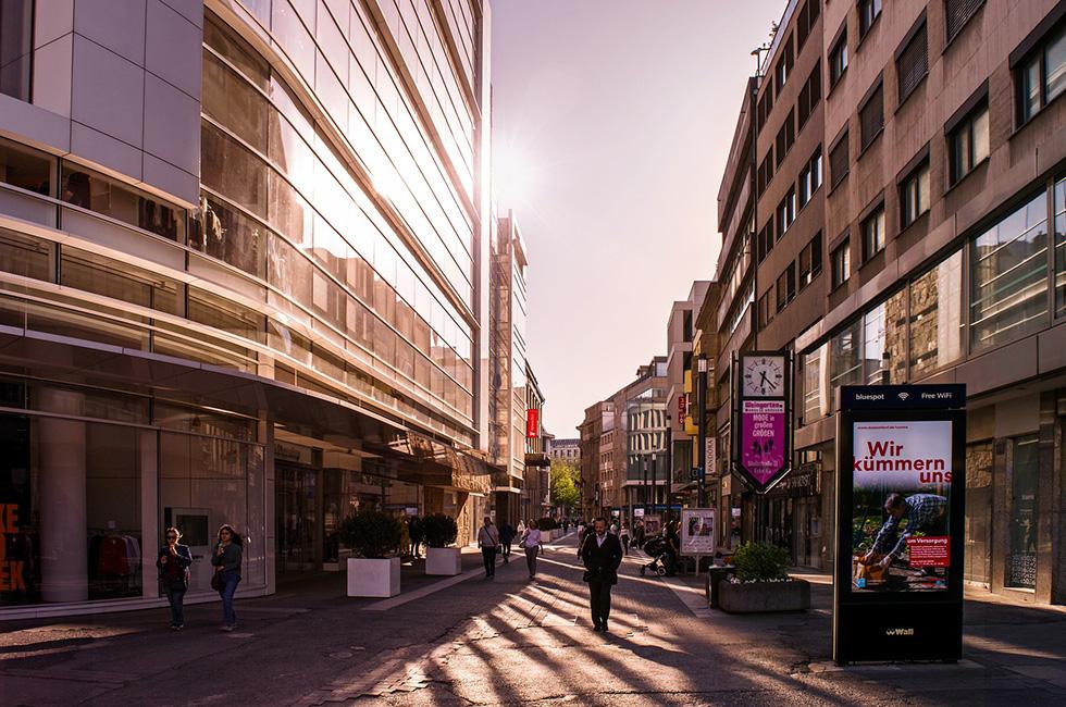 Werbung-Stadt-Einkaufspassage