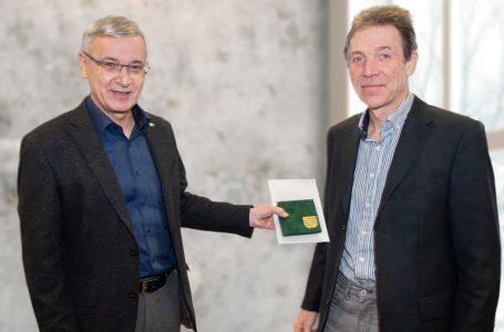 Thomas Findeis erhält Medaille Friedliche Revolution