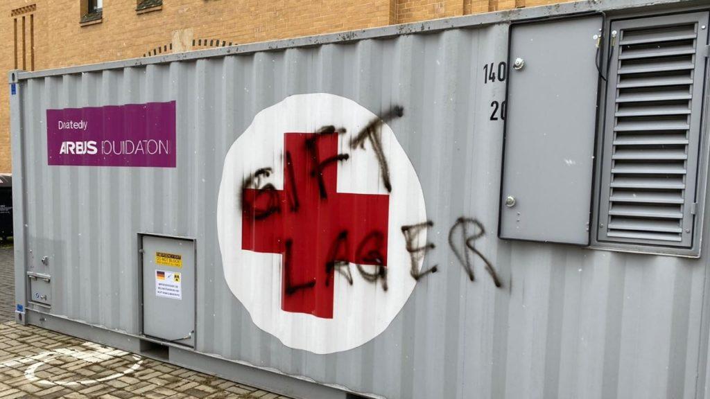 Impfzentren im Vogtland erneut beschmiert