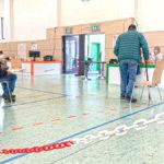 Der Anmeldebereich im Impfzentrum von Plauen im Stadtteil Neundorf. Foto: Sebastian Höfer