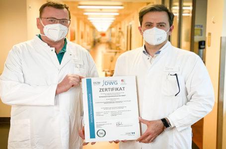 Wirbelsäulen-Experten in Plauen freuen sich über Auszeichnung