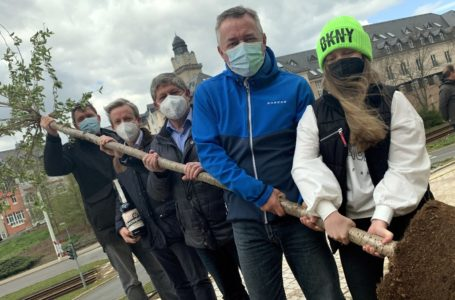 Im Bild von links: Rico Kusche (Initiative Plauen), Sternquell-Chef Jan Gerbeth, Steffen Krebs, Ralf Oberdorfer und Tochter Helena. Foto: Spitzenstadt.de