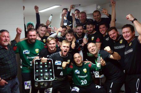 Handballer vom SV 04 Plauen-Oberlosa feiern Aufstieg