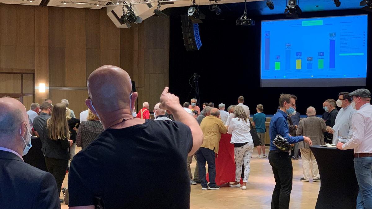 Wahlveranstaltung-in-der-Festhalle-Plauen