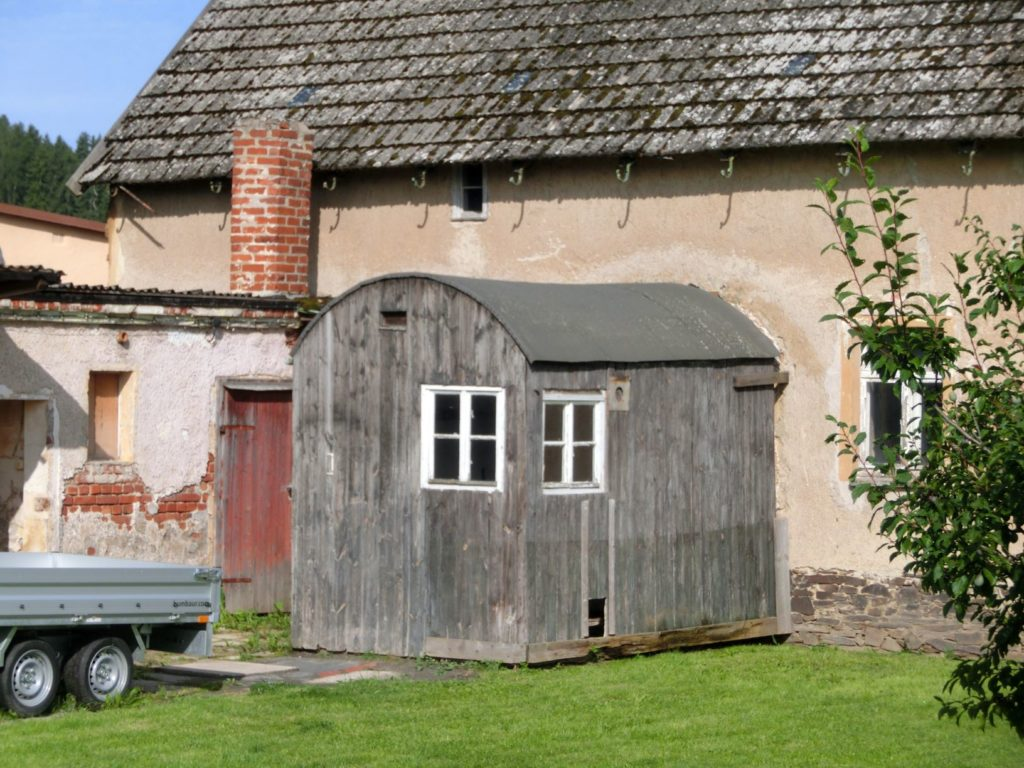 Die Baracke am alten Standort in Mehlteuer/Oberpirk