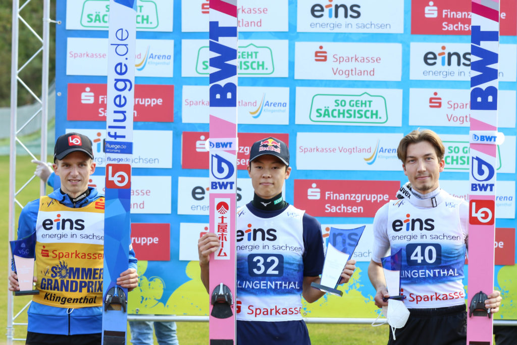 Halvor Egner Granerud, Ryoyu Kobayashi und Johann Andre Forfang (v.l.) standen bei den Herren auf dem Podest. Foto: VSC / Konstanze Schneider